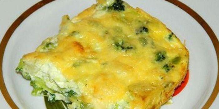 брюссельская капуста с яйцом на сковороде